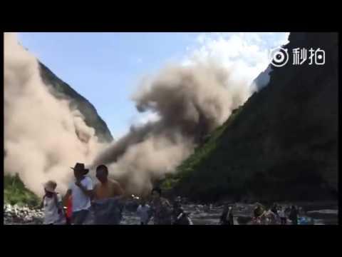 العرب اليوم - شاهد انهيار أرضي في إقليم سيتشوان الصيني