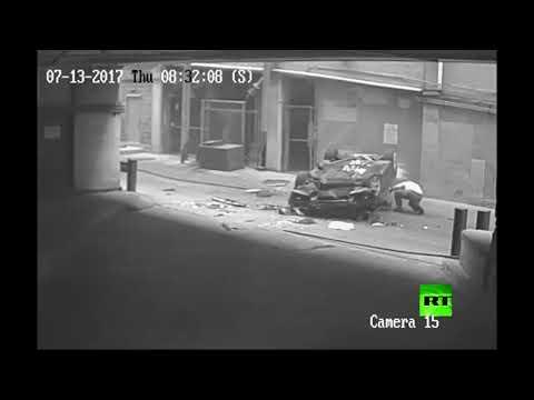 العرب اليوم - لحظة سقوط سيارة من الطابق السابع