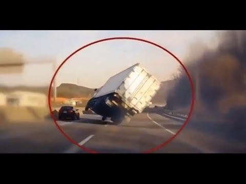 العرب اليوم - شاهد سائقون أذكياء تمكنوا من انقاذ أنفسهم بعد وقوعهم في مأزق حقيقي