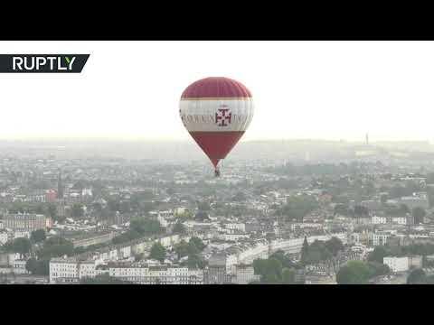 العرب اليوم - بالفيديو مشاهد رائعة من مهرجان البالونات في بريطانيا