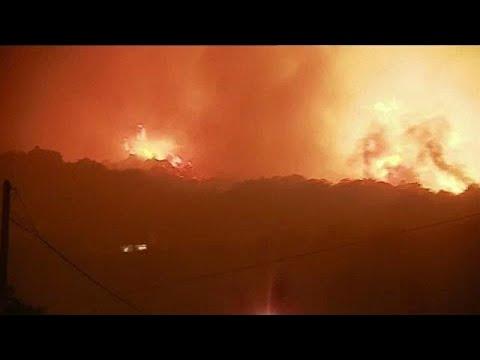 العرب اليوم - شاهد حريقان في جزيرة كورسيكا يتسببان في إجلاء 700 شخص