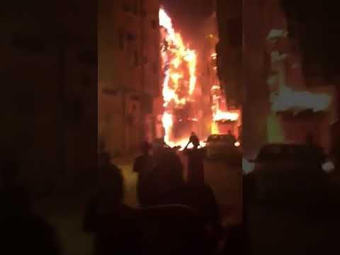 العرب اليوم - شاهد اندلاع حريق هائل في مدينة جدة التاريخية