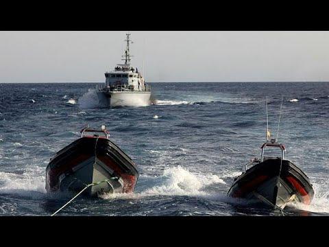 العرب اليوم - خفر السواحل الليبي يحتجز سفينة تابعة لجمعية إسبانية