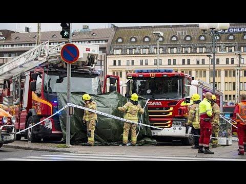 العرب اليوم - شاهد مقتل شخصين وجرح ستة آخرين في عملية طعن في مدينة توركو الفنلندية