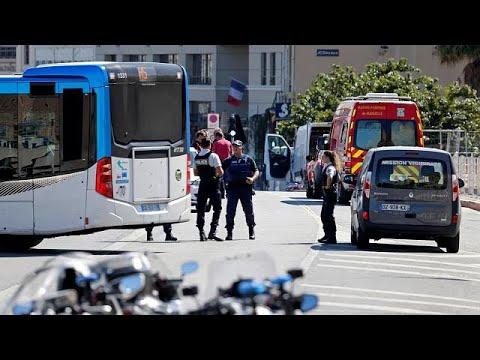العرب اليوم - شاهد مقتل شخص واصابة آخر في حادث دهس في مدينة مرسيليا الفرنسية