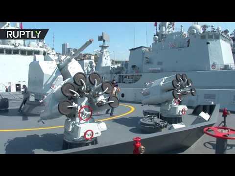 العرب اليوم - شاهد لحظة وصول سفن حربية صينية إلى فلاديفوستوك الروسية