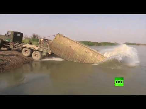 العرب اليوم - شاهد القوات السورية تعبر إلى الضفة الشرقية للفرات