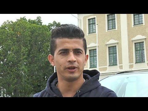 العرب اليوم - شاهد ممثل أفغاني لاجىء يواجه شبح الطرد من السويد