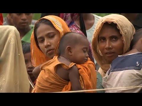 العرب اليوم - شاهد لاجئو الروهينغا ينتظرون معونات الإغاثة في بنغلادش