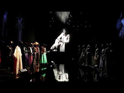 العرب اليوم - شاهد متحف يحتفي بمصمم الأزياء إيف سان لوران