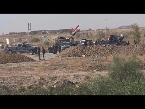 العرب اليوم - شاهد مواجهات بين الجيش العراقي والبشمركة خارج كركوك