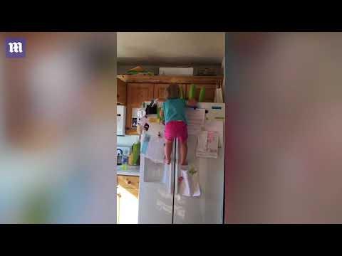 العرب اليوم - شاهد الطفلة العنكبوتية تشعل مواقع التواصل