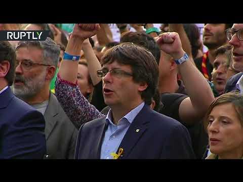 العرب اليوم - شاهد عزف نشيد كتالونيا الوطني في مظاهرات برشلونة