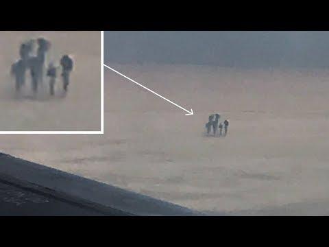 العرب اليوم - رجل يقوم بتصوير أشخاص بأشكال غريبة من طائرة نقل ركاب