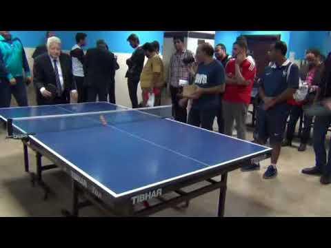 شاهد مرتضى منصور يخوض مباراة تنس طاولة