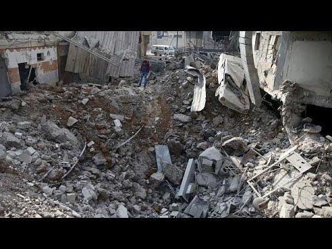 شاهد الجيش السوري يكسر الحصار على قاعدة إدارة المركبات العسكرية