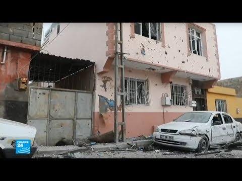 شاهد المقاتلون الأكراد يردون على أنقرة بقذائف صاروخية تجتاز الحدود