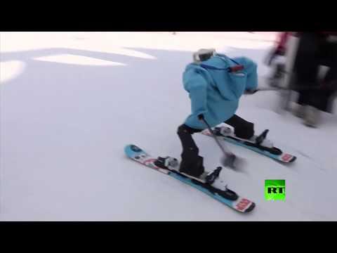 الروبوتات تشارك في رياضة التزلج داخل كوريا الجنوبية