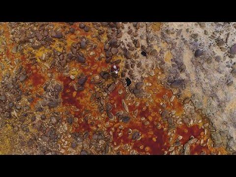 شاهد اكتشاف كائنات حية تعيش في صخور نهر ريو تينتو دون أكسجين