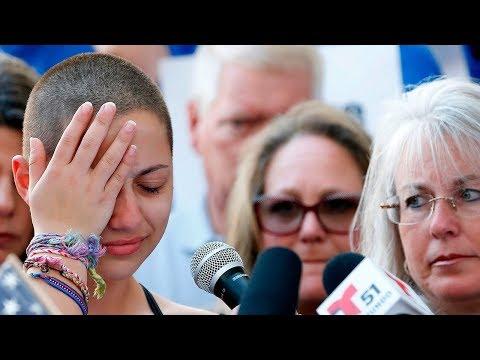 شاهد  طلاب يشاركون في تظاهرات ضد حيازة السلاح في أميركا