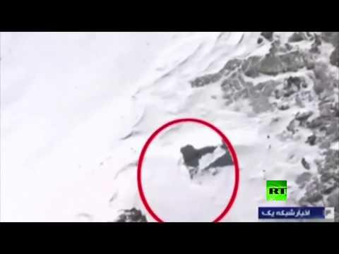 شاهد العثور على حطام الطائرة الإيرانية المنكوبة