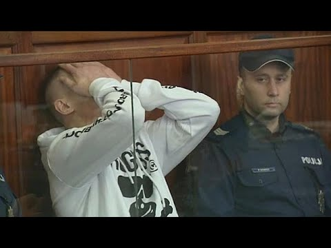 شاهد لحظة إعلان قاضٍ بولندي براءة رجل أمضى 18 عاماً في السجن