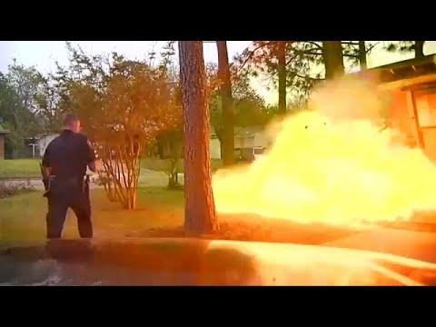 شاهد انفجار منزل في وجه الشرطي