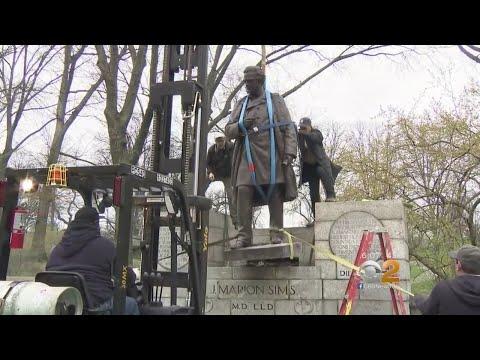 شاهد إزالة تمثال الطبيب الأميركي المُثير للجدل