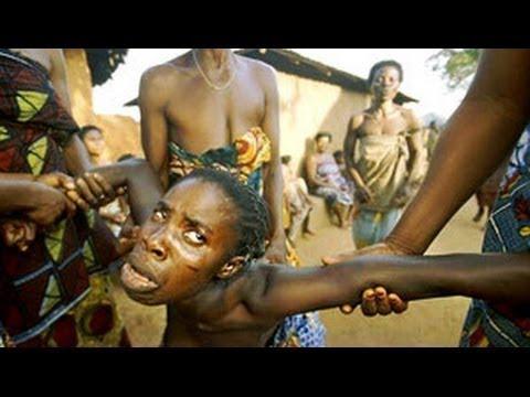 شاهد  العقاب التى تحصل عليه الزوجة الخائنة فى نيجيريا