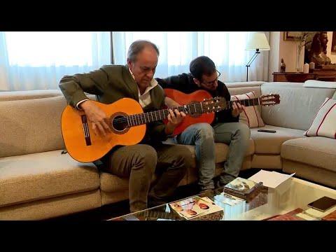 هذا الشخص وأبنائه يكشفون أسرار صناعة الغيتار الإسباني