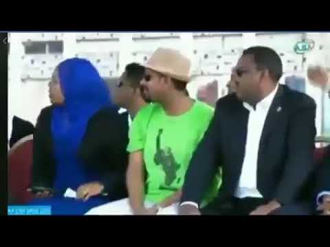 شاهد  لحظة استهداف رئيس الوزراء الإثيوبي بقنبلة يدوية