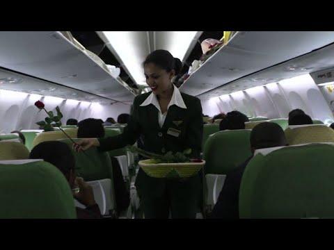 شاهد إقلاع أول رحلة ركاب منذ ٢٠ عاما من إثيوبيا إلى اريتريا