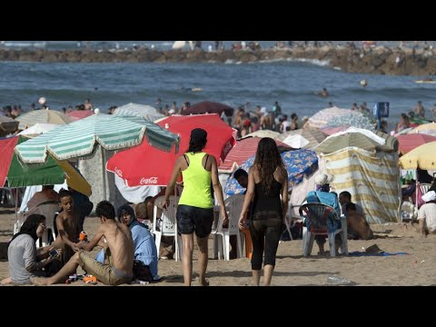 كن رجلا حملة مغربية ضد العري في الشواطئ