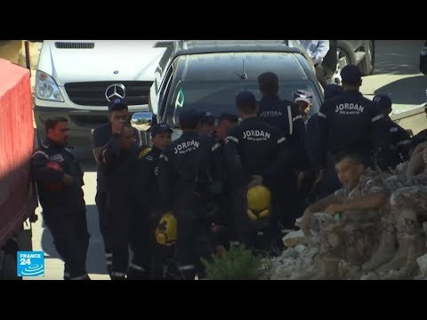 مقتل ثلاثة متطرفين وأربعة من الأمن