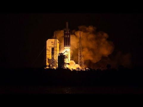 إطلاق المسبار باركر أول مركبة فضائية تلامس الشمس