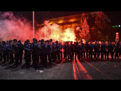 إصابة أكثر من 450 شخصًا بتظاهرة في رومانيا