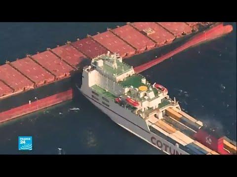 شاهدتسرّب وقود في البحر المتوسط إثر حادث تصادم بين سفينتين