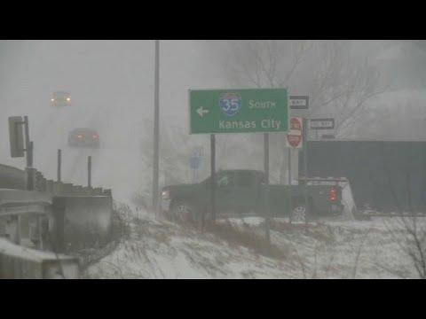 شاهد إلغاء 1240 رحلة جوية في الولايات المتحدة الأميركية بسبب عاصفة جوية