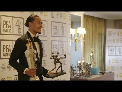 شاهد فان دايك يتوج بجائزة لاعب العام في الدوري الإنجليزي