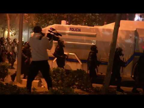 مظاهرات وأعمال شغب أمام مقري الحكومة والبرلمان في ألبانيا
