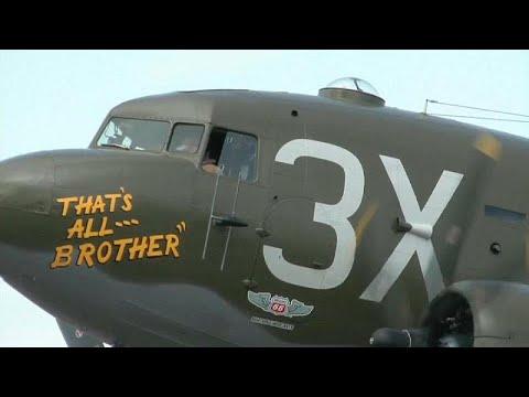 شاهد عودة أول طائرة إنزال للجنود الأميركيين في الحرب العالمية الثانية إلى أوروبا