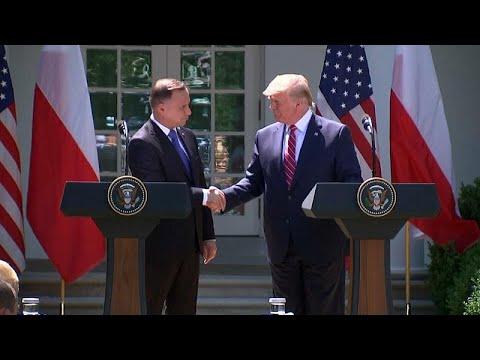 شاهد ترامب يتعهد بنشر ألف جندي أميركي في بولندا