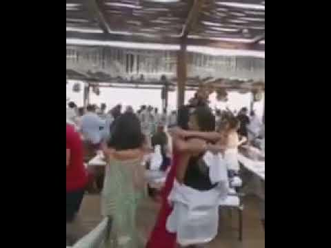 شاهد وصلة رقص للفنانة رانيا يوسف وهي تلوح بالمنديل