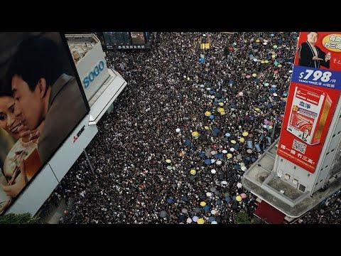 شاهد تجاوزات الشرطة الصينية ضدّ المتظاهرين تتواصل في هونغ كونغ