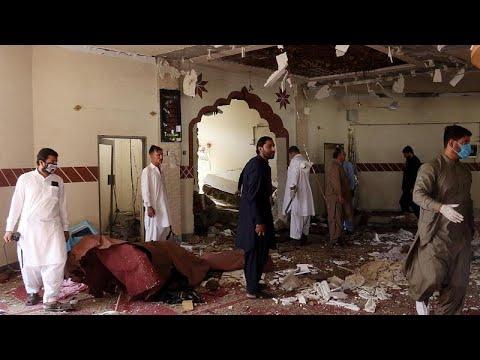 شاهد مقتل شقيق زعيم طالبان الأفغانية و3 آخرين داخل أحد المساجد في باكستان