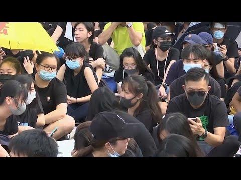 شاهد مقاطعة الدراسة أسلوب جديد لطلاب هونغ كونغ للتظاهر والضغط على الحكومة
