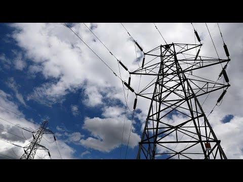انقطاع التيار الكهربائي عن منازل ووسائل النقل في أجزاء كبيرة من بريطانيا