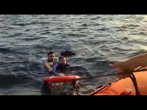 إنقاذ 14 مهاجرًا والبحث عن طفل مفقود في تركيا