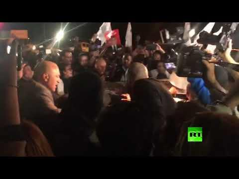 لحظة الإفراج عن المرشح الفائز بالدور الأول في انتخابات تونس