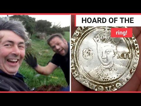 شاهد صدفة تقود إلى اكتشاف كنز تحت الأرض في أيرلندا الشمالية